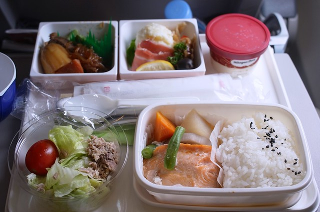 120823_jal-meal